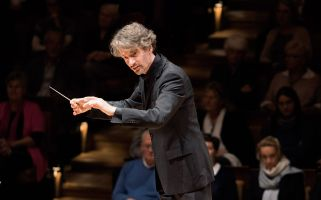 Raphael Haeger conducting - picture 8 - Monika Rittershaus
