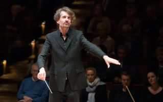 Raphael Haeger conducting - picture 6 - Monika Rittershaus