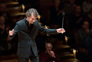 Raphael Haeger conducting - picture 1 - Monika Rittershaus