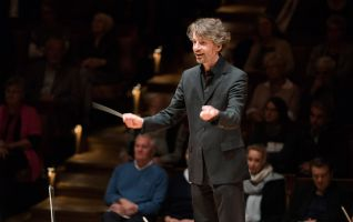 Raphael Haeger conducting - picture 11 - Monika Rittershaus