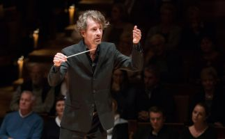 Raphael Haeger conducting - picture 9 - Monika Rittershaus