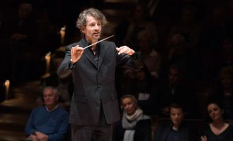 Raphael Haeger conducting - picture 12 - Monika Rittershaus